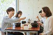 한국인, 식사, 남성, 여성, 가족, 미소, 대화, 행복 (컨셉)