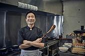 한국인, 식당주방 (주방), 요리사 (음식서비스직), 요리하기 (음식준비), 준비, 남성, 가스스토브버너 (생활용품)