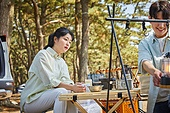 차박캠핑 (캠핑), 캠핑, 숲, 준비, 즐거움 (컨셉), 계절, 자연, 여행, 햇빛 (빛효과), 사랑 (컨셉), 함께함 (컨셉)