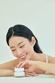 뷰티, 화장품 (몸단장제품), 의료성형뷰티 (주제), 의료성형뷰티, 스킨케어, 미녀 (아름다운사람), 피부과, 한국인, 여성 (성별), 사람피부