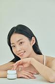 뷰티, 화장품 (몸단장제품), 의료성형뷰티 (주제), 의료성형뷰티, 스킨케어, 미녀 (아름다운사람), 피부과, 한국인, 여성 (성별)