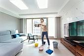 집 (주거건물), 누출 (나쁜상태), 물 (자연현상), 떨어짐, 보험 (주제), 우울, 주택보험, 천장 (건물특징), 거실, 받음