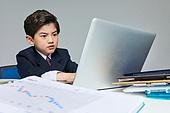 한국인, 어린이 (나이), 소년 (남성), 조기경제교육 (사회이슈), 화폐 (금융아이템), 금융 (Finance and Economy), 부귀 (컨셉), 투자, 주린이, 스트레스