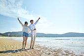해변, 바다, 파도 (바다), 이성커플 (커플), 즐거움, 여행, 햇빛 (빛효과), 맑은하늘 (하늘), 감성