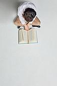 어린이 (나이), 교육 (주제), 공부, 책, 학습격차 (사회이슈), 스트레스, 번아웃증후군 (격언), 조기교육