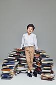 한국인, 어린이 (나이), 초등학생, 교육 (주제), 가르침 (움직이는활동), 공부, 책, 아이디어, 생각 (컨셉), 호기심