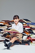 어린이 (나이), 초등학생, 교육 (주제), 가르침 (움직이는활동), 공부, 책, 생각 (컨셉), 독서 (읽기), 호기심
