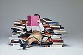 어린이 (나이), 초등학생, 교육 (주제), 가르침 (움직이는활동), 공부, 책, 아이디어, 생각 (컨셉), 독서 (읽기), 호기심