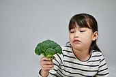 어린이 (나이), 초등학생, 채소, 편식, 채식, 채식주의 (채식), 브로콜리 (양배추과), 피로 (물체묘사), 스트레스 (컨셉)
