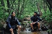 아웃도어, 계곡, 하이킹, 탐험 (컨셉), 청년 (성인), 휴식