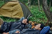 남성, 텐트, 여행, 산림, 캠핑 (아웃도어)