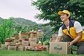 배달 (일), 배달부 (직업), 냉장배송 (배달), 쇼핑 (상업활동), 상자 (용기), 포장, 채소, 산지직송 (배달), 택배배달부 (배달부)