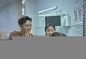 환자 (역할), 환자, 요양원 (양로원), 효도 (컨셉), 치료, 병원 (의료시설), 비대면, 노인 (성인), 실버라이프 (주제), 실버산업