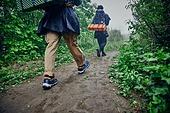 남성 (성별), 오솔길 (보행로), 산림, 여행, 백패커 (여행하기), 하이킹 (아웃도어), 걷기 (물리적활동), 배낭
