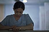 간호사, 간호사태움 (사회이슈), 간병인 (의료계종사자), 직장내괴롭힘 (괴롭힘), 갑질, 피로 (물체묘사), 스트레스 (컨셉), 우울