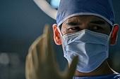 의사 (의료직), 수술실, 수술 (치료), 수술장갑 (보호장갑), 의학 (과학), 병원 (의료시설), 장갑 (의복), 피로 (물체묘사), 고역 (컨셉)