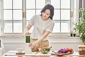 여성, 비건, 채식 (음식), 건강관리 (주제), 다이어트, 디톡스, 믹서 (식품가공기)