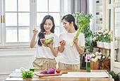 여성, 비건, 채식 (음식), 건강관리 (주제), 다이어트