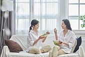 여성, 비건, 채식 (음식), 건강관리 (주제), 다이어트, 대화