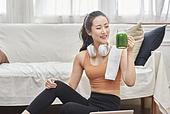 여성, 실내, 건강한생활 (주제), 건강관리 (주제), 운동, 다이어트, 디톡스, 웰빙, 건강식, 홈트레이닝