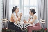 여성, 실내, 건강한생활 (주제), 건강관리 (주제), 운동, 다이어트, 홈트레이닝, 요가 (이완운동), 커피브레이크 (휴식)