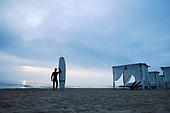 서핑, 서핑보드 (수중스포츠장비), 새벽, 일출 (새벽), 여행, 남성, 휴양지