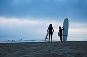 서핑, 서핑보드 (수중스포츠장비), 새벽, 일출 (새벽), 여행, 뒷모습, 커플 (인간관계)
