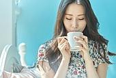 여성, 커피브레이크 (휴식), 마시기 (입사용)