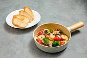 밀키트, 음식, 요리 (음식상태), 음식재료, 감바스 (슈림프-해산물)