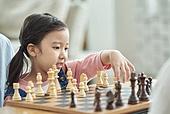 어린이 (나이), 체스, 가족, 딸, 창의성