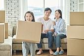 이사, 어린이 (나이), 가족, 미소, 밝은표정, 행복, 주택소유 (부동산)