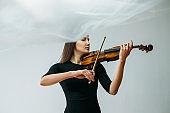 inspired violinist woman online concert self