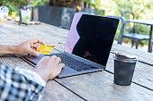 Use laptop online