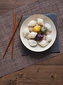 Korean food Songpyeon, half-moon-shaped rice cake, Chuseok food