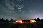 캠핑의 계절