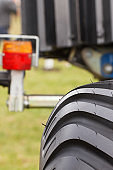 Tyre and lamp of vehicle or agricultural machine, technology