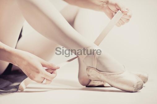Ballet dancer preparing
