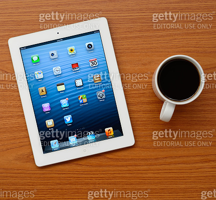 The New iPad white on office desk