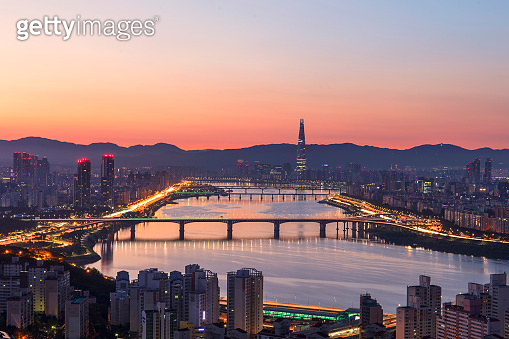 Han river and Seoul city