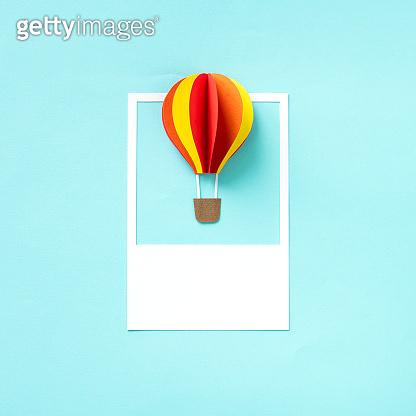 Paper craft art of a hot air balloon