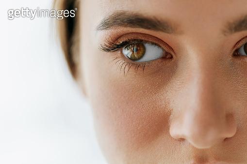 Closeup Of Beautiful Girl Eye And Eyebrow With Natural Makeup