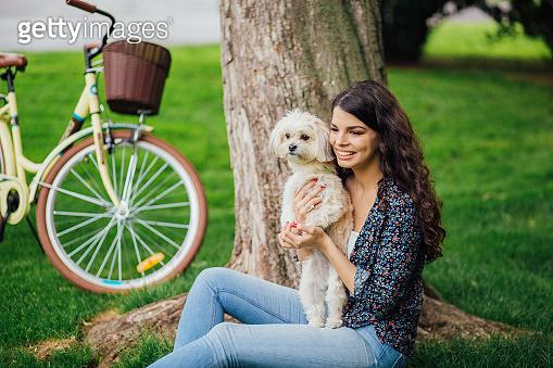 Young woman enjoying on picnic