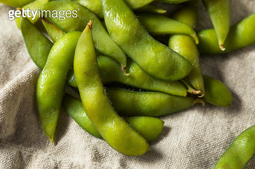 Raw Green Organic Edamame Soy Beans