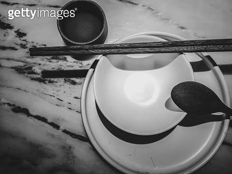 Chinese Traditional Tableware with Black and White color