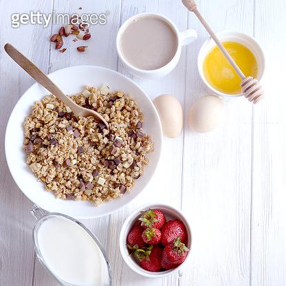 Corn breakfast cereals with milk
