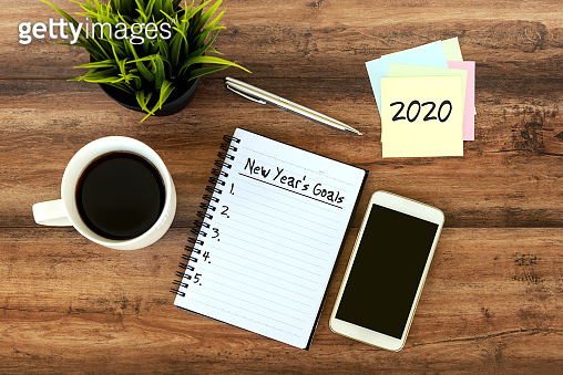 New Year's Goals Text on Note pad