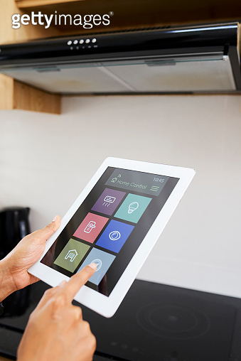 Using smart home app for cooking in the kitchen