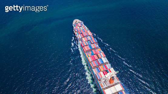 Cargo ships with full container receipts to import and export products worldwide Singapore