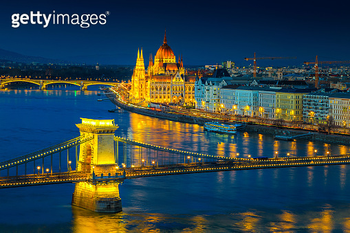 Iluminated Chain bridge and Parliament building at twilight, Budapest, Hungary