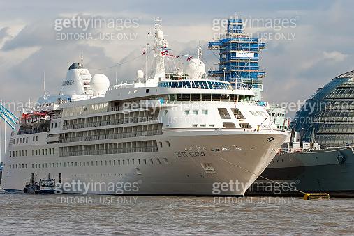 ocean liner regent navigator